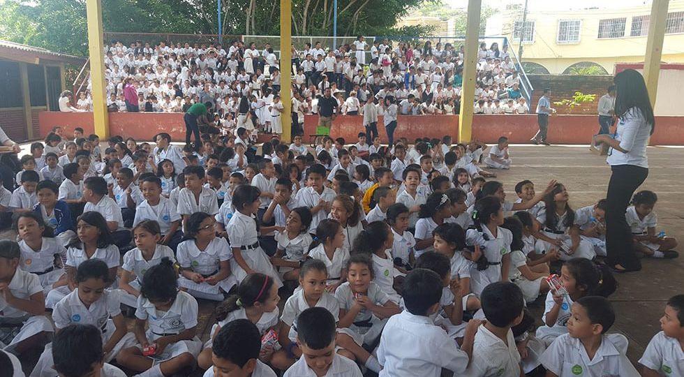 Los niños se mostrarón muy felices de participar