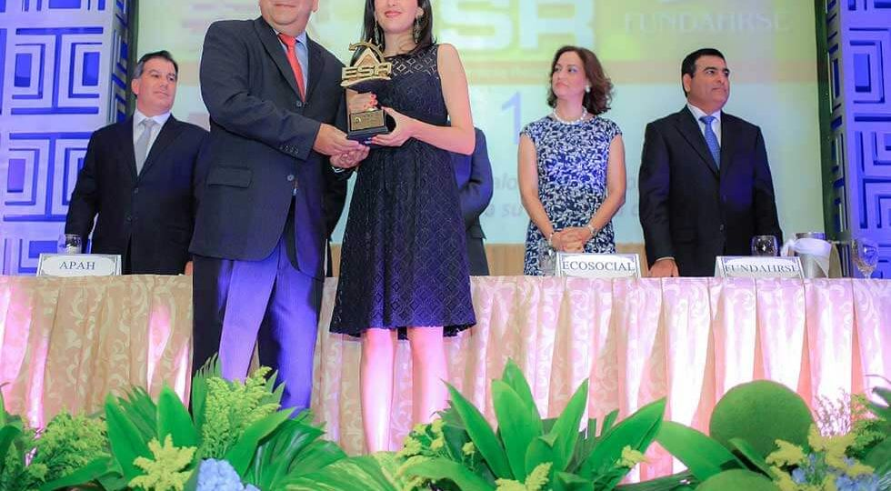 Lacthosa Sula Recibe Premio De Empresa Socialmente Responsable