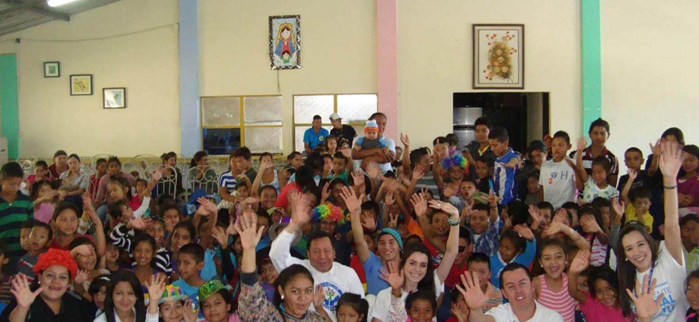 Sula Celebra La Navidad Con Niños Del Proyecto Ser