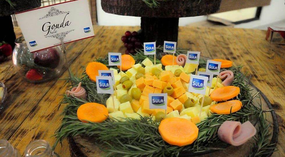 diferentes tipos de quesos para degustar en el evento