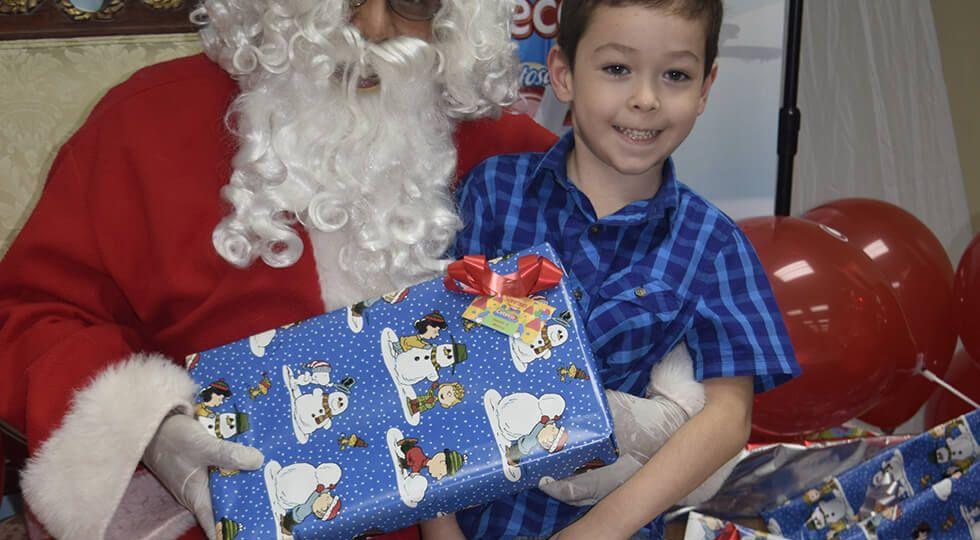 Gracias a Ceteco los niños pudieron conocer a Santa Claus