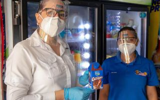 Sula dona 15,000 caretas de bioseguridad a los héroes pulperos
