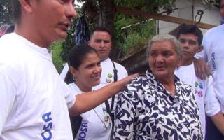 "Colaboradores De LACTHOSA Sula Construyen Casa A La ""Abuelita"""
