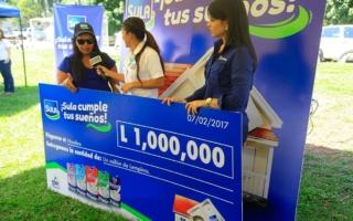 Miembros de Sula hicieron entrega del cheque